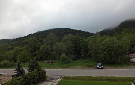 Widok z okna mojego pokoju w Wołosatem
